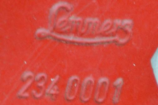 拡大してみます・・・おお!ジョンディア1020で見つけたラマーズのホイールじゃないですかっ!