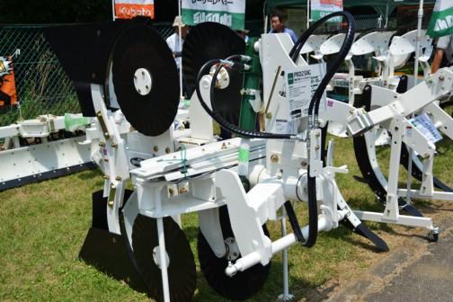 スガノ 溝堀機(リバーシブルタイプ)PRD250G 適応トラクタ馬力 60〜100PS 価格¥1,134,000
