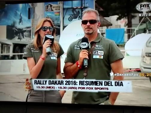 日中行われているイベントですから、テレビで生中継しているんですねえ・・・こうやってすてきなレポーターが現地レポートをしているのでしょう。