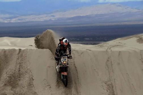 こちらの砂は相当重そう