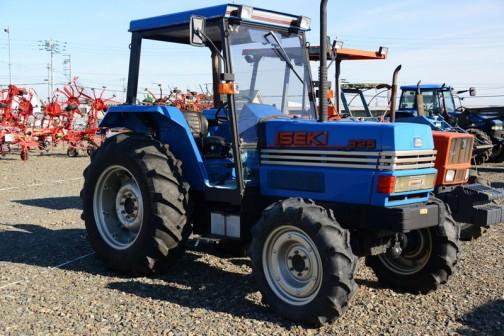 イセキトラクター ランドマックス5 T825FH 4329cc 82馬力/2400rpm