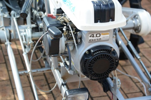 収穫機のあとははたまねぎ移植機。 みのる たまねぎ移植機 OPK-4K