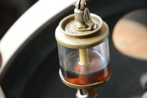 真鍮のオイル点滴機(何か名称があるのでしょうか?)はすばらしい!特に上に付いている調整ネジ、クリック感がありそうでいいなあ。