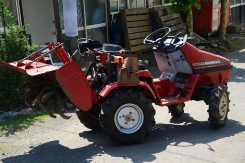 今日は友人の家で見たHONDAのトラクター、マイティ11(RT1100)「撮りトラ」です。
