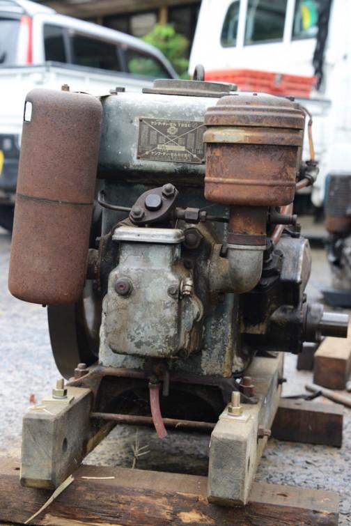 ヤンマーディーゼルエンジンT95形。