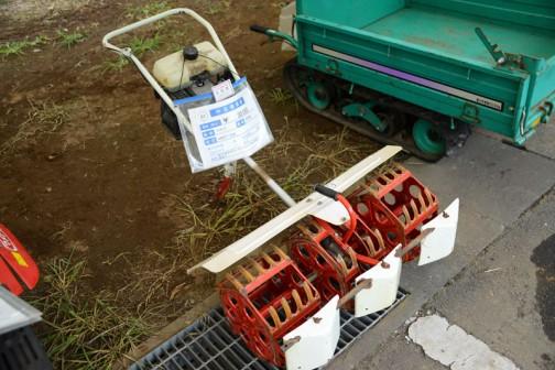 マメトラ 除草機 MRT-5S 中古機価格¥30,000 備考:動作確認済み。キャブレターOH、除草部カバー破損あり