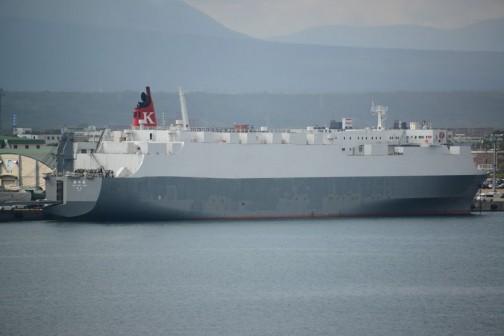 じゃ、同じく苫小牧港で見たこの船はどうなの? 神川丸。