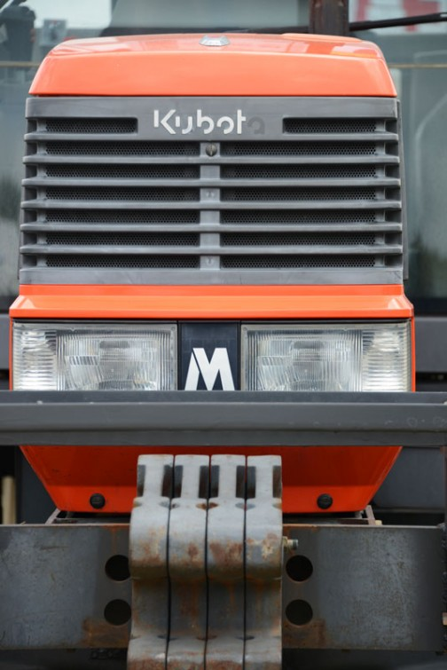 クボタトラクターMD97 MD97FQ2BM 展示会特価¥3,200,000。結構つぶらな瞳。やはりお顔はインパクトあります。
