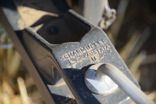 SCHARMULLER AUSTRIA とあります。ラダーヒッチというのでしょうか?オーストリアのけん引部品製作の会社でした。