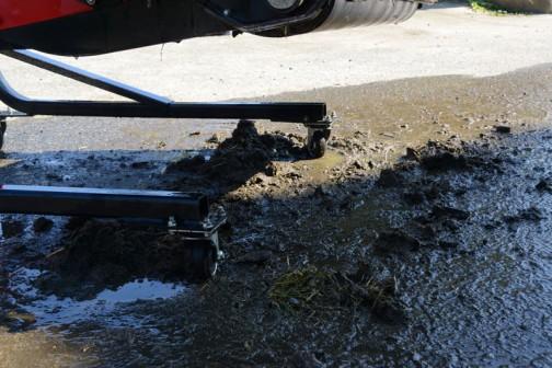 ものすごく泥が詰まっていて、半日かかっちゃいました。
