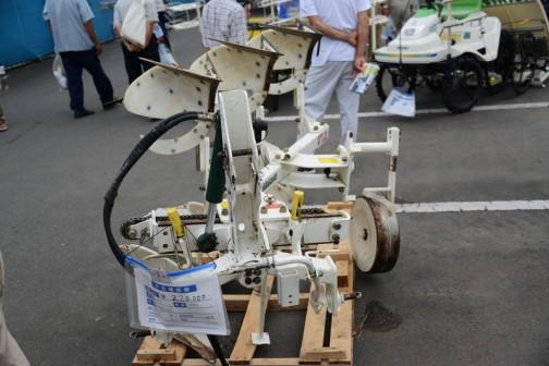 スガノ プラウ RQY123 中古価格¥220,000 土の館でおなじみのスガノ農機株式会社は北海道上富良野町で大正6年に菅野農機具製作所として生まれた会社。