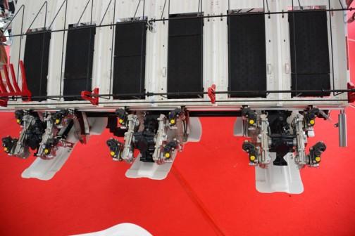 ヤンマー 6条植田植機 YR6J,U-ZF 価格¥2,419,200 苗を背負う部分。