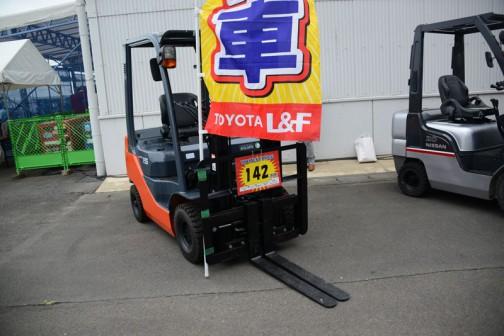 トヨタフォークリフト ディーゼル 02-8FD15 フレームNo.32219 仕様V3000 サイドシフト付き 中古価格¥1,420,000(税別)