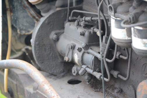 このデヴィッドブラウン・セレクタマチック990はtractordata.comによれば4気筒3.2リッターディーゼル55馬力/2200rpmで、シリアルナンバーから1965-1970の前期モデルと1971-1980の後期モデルに分かれるうち、1970年初めの頃、前期モデル最終型と思われます。