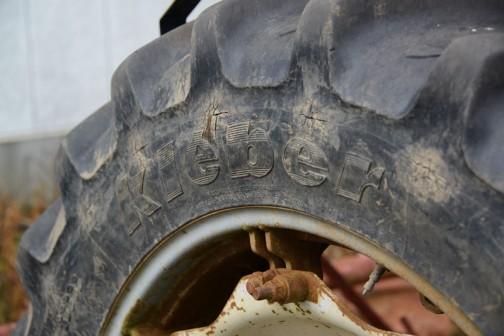タイヤはKLEBER。これはMF374Hで初めて見たんだっけか・・・