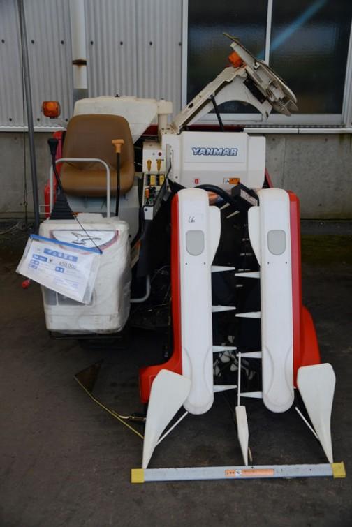 ヤンマーコンバイン Ee211 中古価格¥450,000 使用時間:77.5時間
