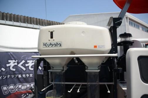 クボタ蕎麦専用コンバインSC250-JP 価格¥3,348,000 大径リール800mm 刈取り1600mm ホッパ容量130L