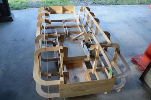 遠征で壊れてしまった木製の米袋ベース