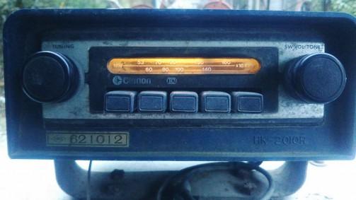 そうそう・・・F4100のラジオはちゃんとライトもつくようですよ!