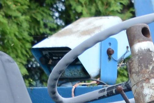 フォード5000は、ウィキペディアによると1964年から1979年まで製造。tractordata.comでは1965年〜1976年、この機体は4気筒のディーゼルエンジンが載っています。tractordata.comによると馬力は69馬力となっていますが、これは4気筒3.8Lガソリンの馬力で、4気筒3.8Lディーゼルの馬力はわかりません。