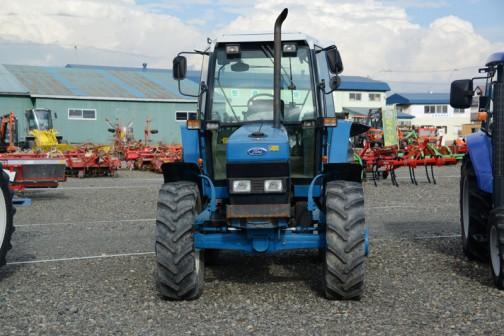 昨日の続き、フォード6640SLEです。tractordata.comによれば英国製で1991年〜1995年のPowerStar 40シリーズ。フォード4気筒5Lディーゼルで84馬力2200rpmとなっています。