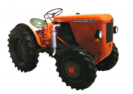 SAMETTO120DT SAMETTOだから小さいSAMEとかの意味なんでしょうね。これもクボタ色でDTで4WD。