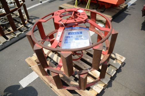 おなじくスズテックのカゴ車輪 KP11-24 Ⅰ型 中古価格 ¥35,000 タイヤサイズ11.2-24に対応