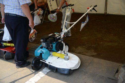 こちらはクボタ 畦草刈機 GC703RD 未使用品 価格 ¥216,000 購入初年度H29年