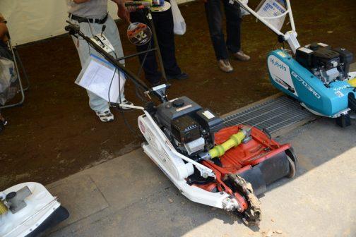 丸山製作所 畦草刈機 MGC602 中古価格 ¥50,000 なんだかお隣のクボタとそっくりですね・・・ここもOEMなのかしら?
