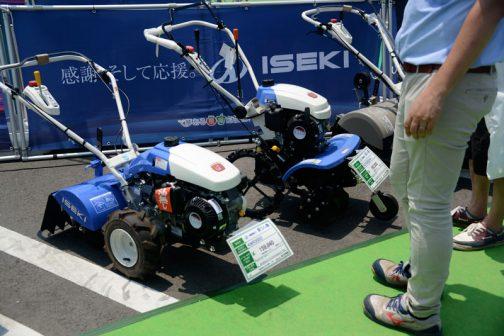 左手前から イセキ耕耘機 KCR605HX 価格¥259,200 イセキ耕耘機 KCR605SDU 価格¥251,640