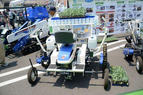 イセキ 野菜移植機 PVHR4145S1G 価格 ¥1,382,400 乗用4条たまねぎ移植機 とあります。