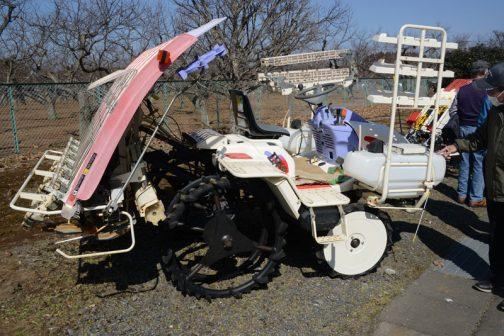 そしてこれが今年のスプリングフェアで見た同じくLV63WPY。施肥機のタンクが見えます。