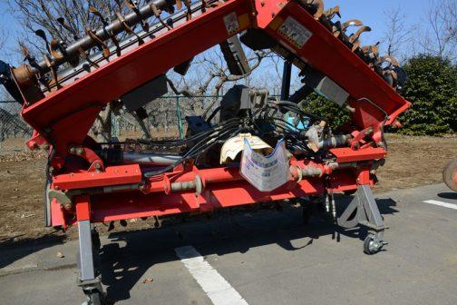 ニプロ ウイングハロー HVS4100BR-0L 中古価格 ¥500,000 外部油圧取出しがトラクタに必要