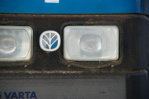 ヘッドライトはCOBO製です。FORDニューホランドの機体の灯火類には結構採用されていますよね。