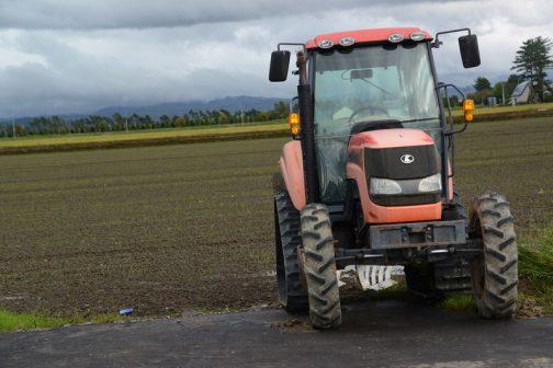 クボタSMZ95は農研機構の安全検定によると2007年度の登録。と、いうことはこの機体は古くて10年ほどの機体。