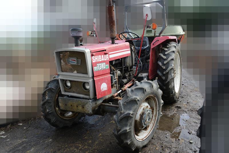 シバウラSE7340Tは農研機構の登録は1979年。tractordata.comではシバウラ LER1103T 3気筒 3.4リッター ディーゼルターボ 73馬力/2200rpmとなっています。
