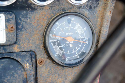 トラクターメーターは日本精機。