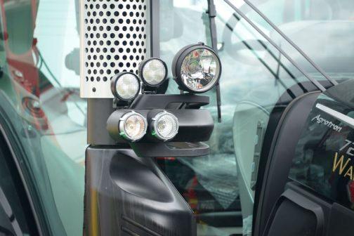 秋田竿燈まつり状の補助ランプ群はぜーんぶHELLA