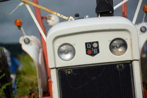 ヘッドランプはスタンレーの電球タイプ。