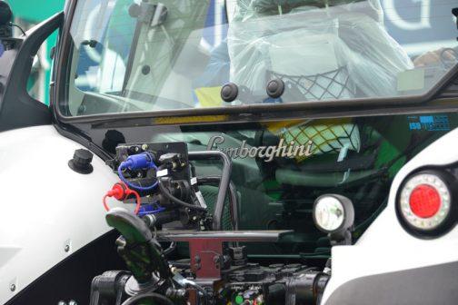 リヤガラスに「Lamborghini」間違いありません。ワクワクするなあ・・・実車を見るのは初めてです。