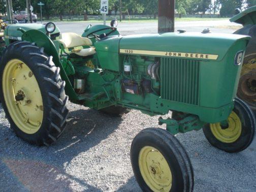 普通に調べるとJD1520はこれが出てきちゃいます。1968年〜1972年、51馬力のJD1520・・・