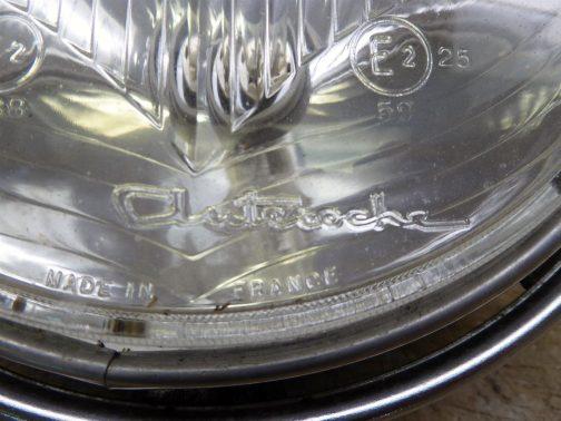 これがオートバイに採用されていたヘッドランプの銘。僕が見たヤツと同じです。