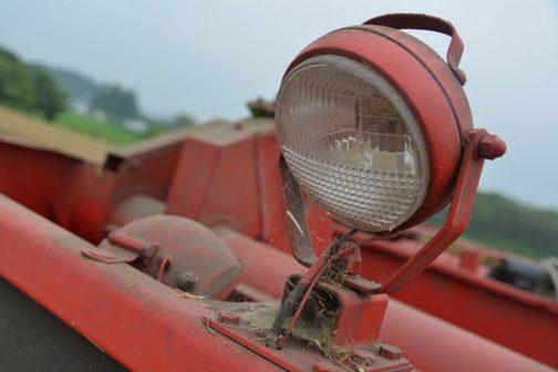 作業灯(グレンタンクには屋根がなく、オープンなので、夜でも作業灯があれば簡単に確認できます)