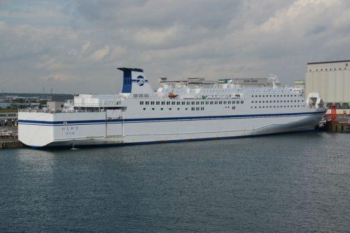 大洗からフェリーに乗って苫小牧港につくとたいていこの船が泊っています。
