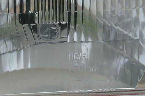 ヘッドランプの銘はABL・・・初めて見るような気が・・・