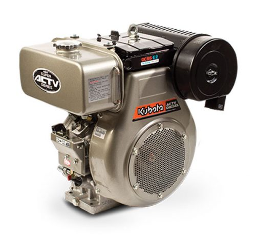 OC95-DP-1というキーワードで検索してみると、クボタオーストラリアの記事に突き当たりました。見た目まるっきりガソリンエンジンですが、間違いなくディーゼルエンジンです。ここに「oil-cooled, 4-cycle diesel engine」と書いてあるので、ディーゼルだし、「液冷」よりはなじみの深い「油冷」エンジンだということがわかります。