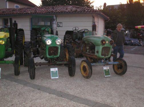 左はディーゼルエンジンのSFV Vierzon super 203D、右はガソリンのはディーゼルエンジンのSFV Vierzon super 203S(スタンダード)なのでしょう。