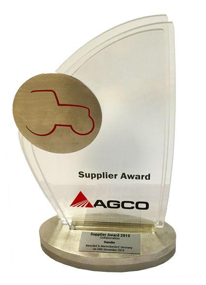 2015年にAGCOのサプライヤーアワードを貰ったと書いてあるので、AGCO系列なのですね。