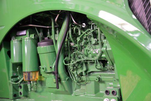 エンジンはPowerTech PSS 9.0L