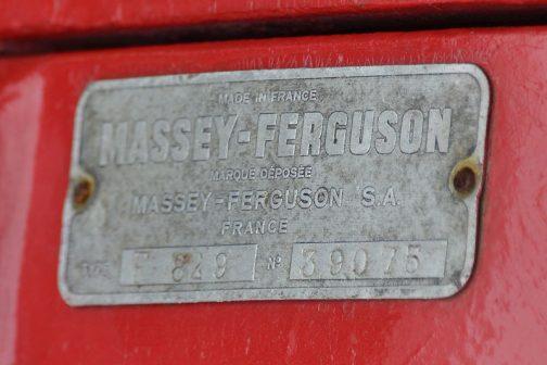MF30SNMY ここにもMADE IN FRANCEの文字が・・・マッセイファーガソンはイギリスの会社だと思いましたが、フランスと縁が深いのですね。ただ、僕が思うにパリでは作っていないと思うんです。